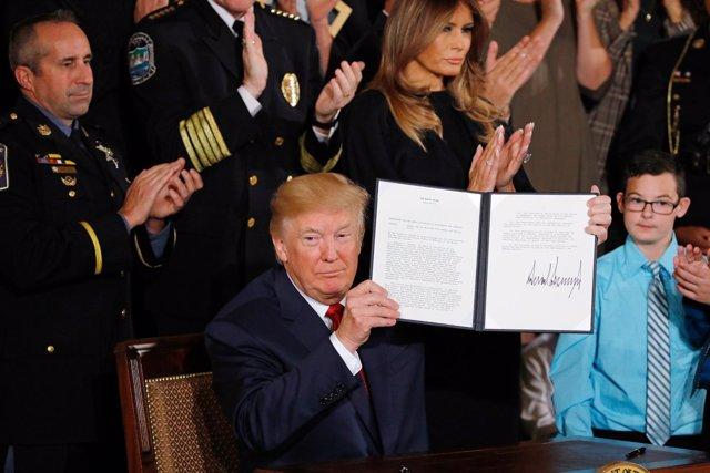 Donald Trump declara la emergencia de salud pública por los opiáceos