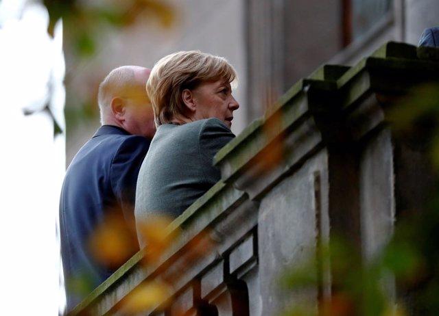 Angela Merkel en las conversaciones con liberales y verdes para formar gobierno