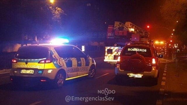 Bomberos y Policía Local de Sevilla