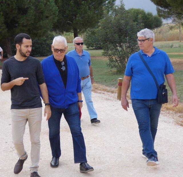 Visita de Daniel González Rojas (IU) al Parque del Tamarguillo