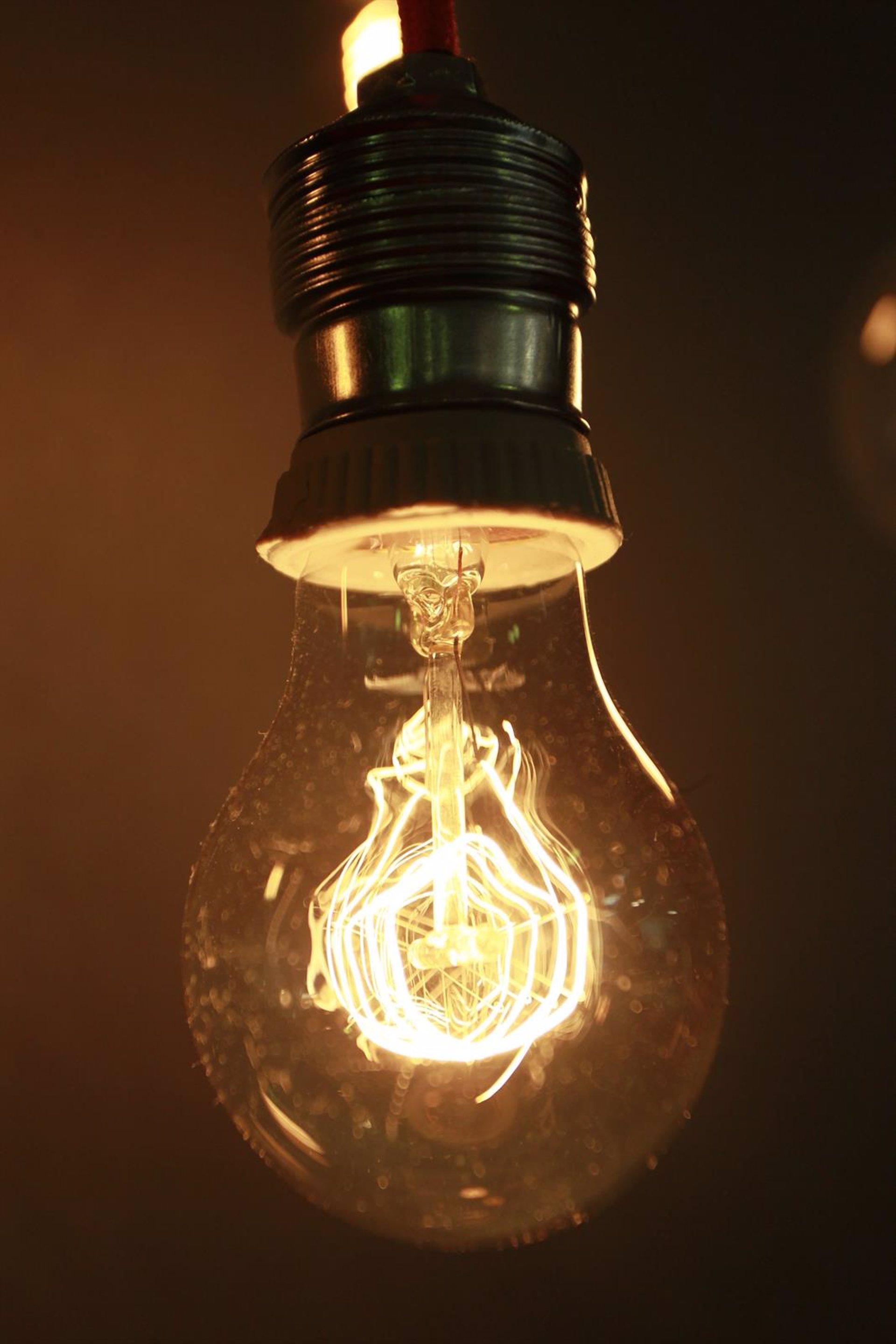 El recibo de la luz se dispara un 7% en octubre, su mayor subida desde enero