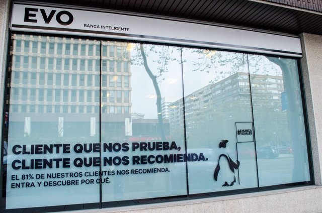 Evo cerrar el 90 de sus oficinas por su expediente de for Evo banco oficinas barcelona