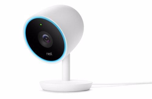 Nest Cam IQ de interiores