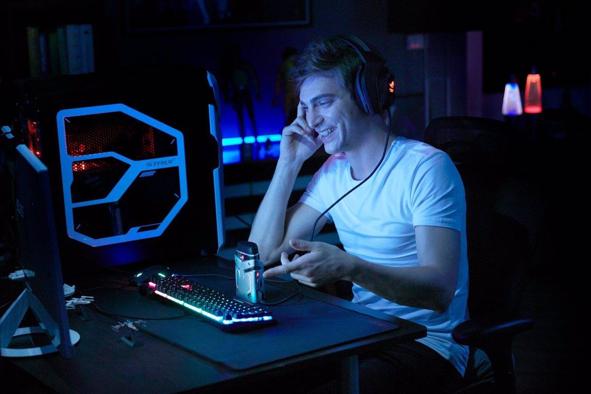 conexi/ón USB, iluminaci/ón Aura RGB y cancelaci/ón de Ruido Ambiente Asus ROG Strix Magnus ENC Micr/ófono de Condensador para Gaming y Streaming