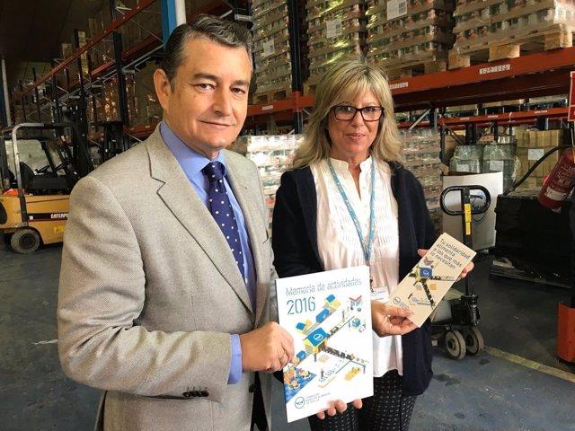 El delegado del Gobierno en Andalucía, Antonio Sanz, en el Banco de Alimentos
