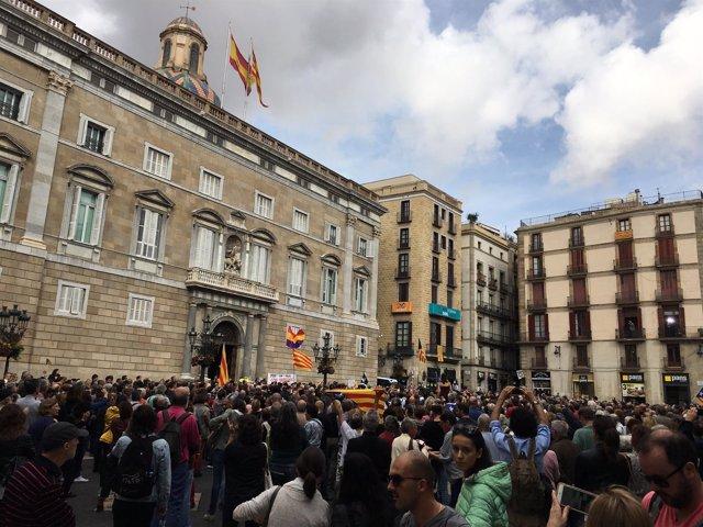 Concentración en plaza Sant Jaume contra el 155