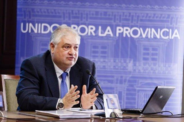 Manuel Alías ha hablado de la nueva comunicación electrónica de Diputación.