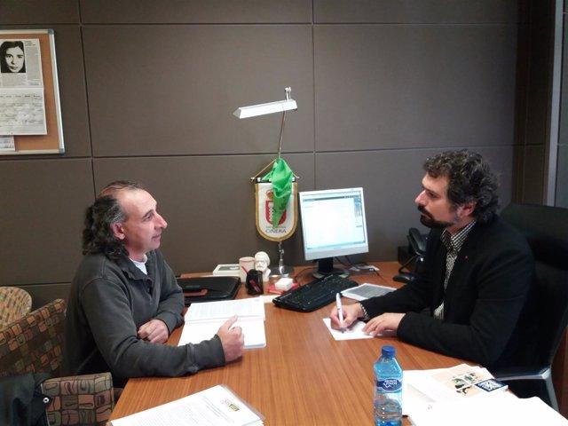 González Palacín reunido con José Sarrión.