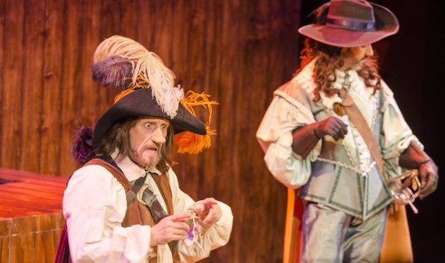 Un momento de la representación de Cyriano de Bergerac, con José Luis Gil