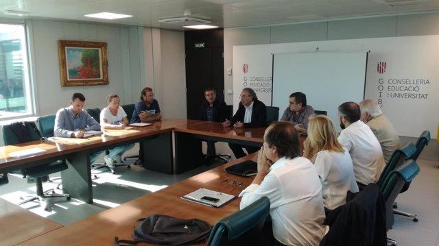 Reunión de Educación sobre la nueva escuela de Caimari