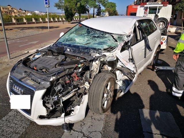Vehículo que impactó con el camión de reparto de cervezas en Fray Albino