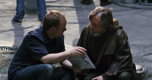 Mark Hamill y Rian Johnson en el rodaje de Star Wars: The Last Jedi