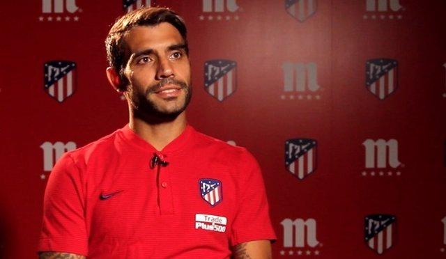 El centrocampista argentino del Atlético de Madrid Augusto Fernández
