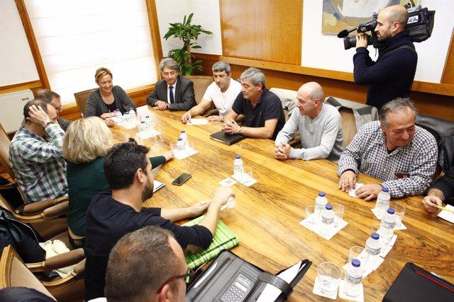 Gastón se reúne con el Comité de Empresa de la Térmica de Andorra.