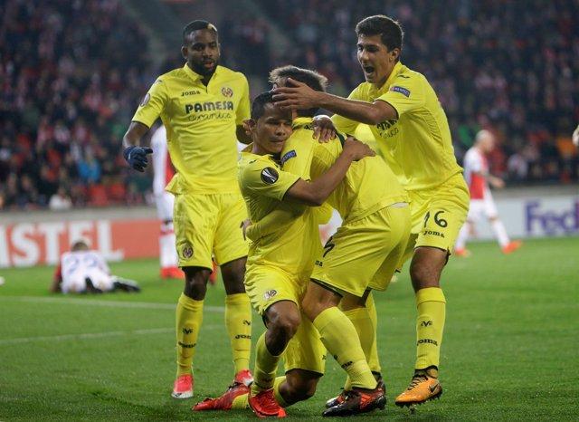 El Villarreal celebra su victoria ante el Slavia en la Liga Europa