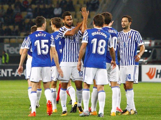 La Real Sociedad celebra la goleada al Varda con Willian José como protagonista