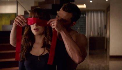 Anastasia y Christian Grey, pasión y velocidad en el nuevo teaser de '50 Sombras liberadas'