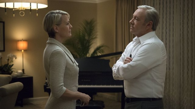 HOUSE OF CARD CLAIRE Y FRANK FRENTE A FRENTE