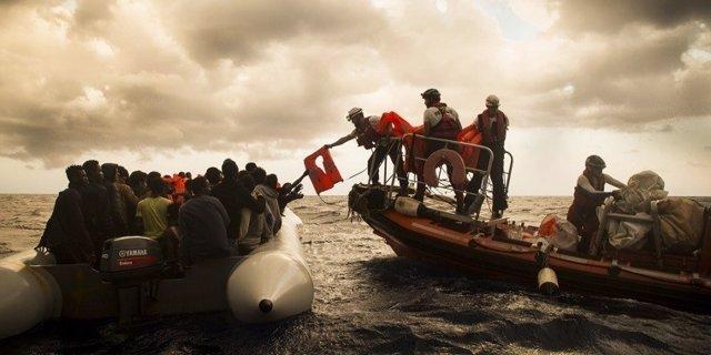 Rescate inmigrantes en mediterráneo noviembre 2017