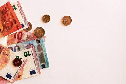 Poca cultura ahorradora y la crisis económica: razones para la caída del ahorro en España