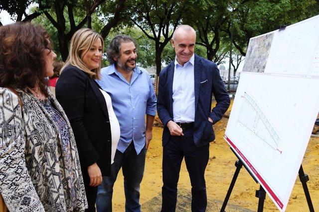 El Ayuntamiento de Sevilla reurbaniza la calle Leñadores en Pino Montano