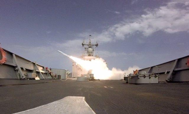 Ejercicio de lanzamiento de misiles antiaéreos
