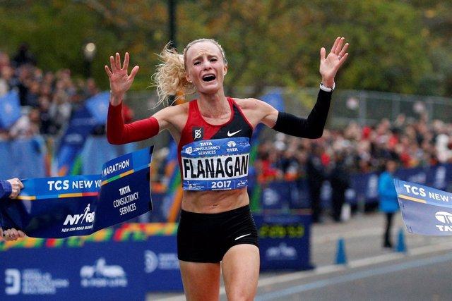 Shalane Flanagan logra la primera victoria estadounidense en Nueva York