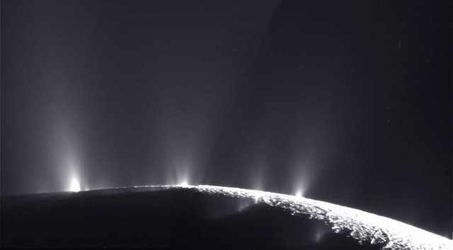 Resultado de imagen de Los géiseres de Encélado