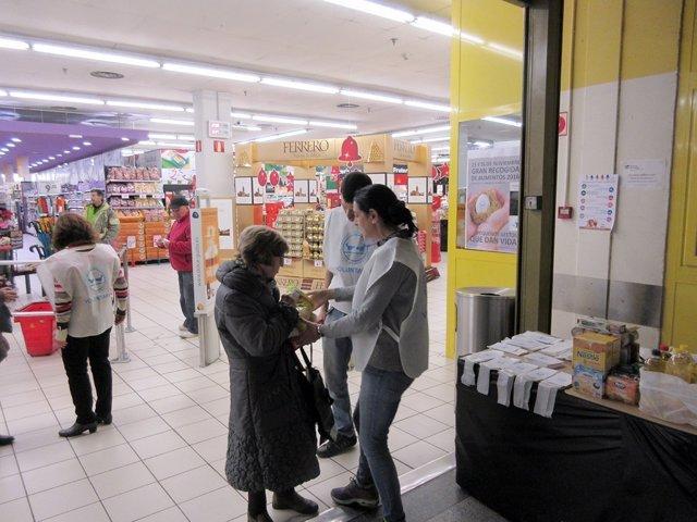 banco de alimentos necesita en madrid 22.000 voluntarios para la