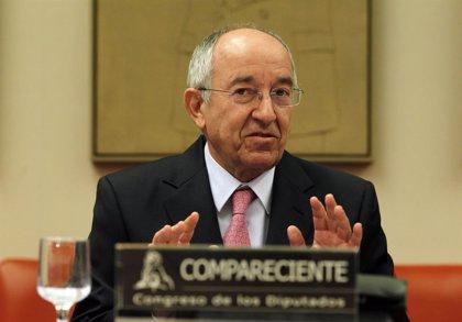 Fernández Ordóñez rinde cuentas en el Congreso por la labor del Banco de España durante la crisis