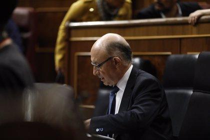 PSOE, Unidos Podemos y Ciudadanos quieren que Montoro explique en el Congreso los 'Paradise Papers'