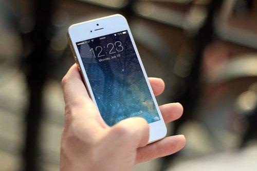 IPhone con sistema de desbloqueo por deslizamiento
