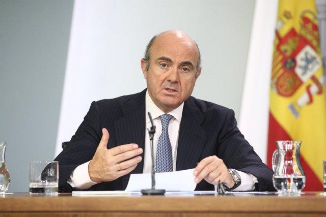 Rueda de prensa de Luis de Guindos tras el Consejo de Ministros