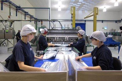 La producción industrial ralentiza su avance en septiembre al 0,2% y suma cinco meses de subidas