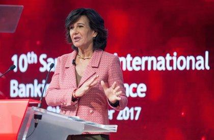 """Botín (Santander) pide agilidad en la regulación y un mismo terreno de juego """"para todos"""""""