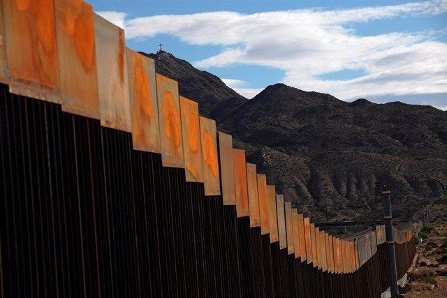 MURO FRONTERIZO EEUU MEXICO