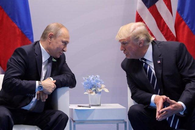 Vladimir Putin y Donald Trump, durante su reunión en julio en Hamburgo