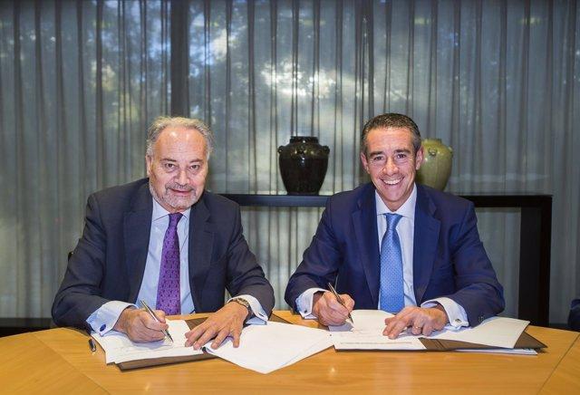 Juan Carlos Estévez (CGPE) y Juan Alcaraz (CaixaBank)