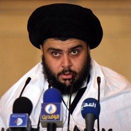 El influyente clérigo chií iraquí Muqtada al Sadr