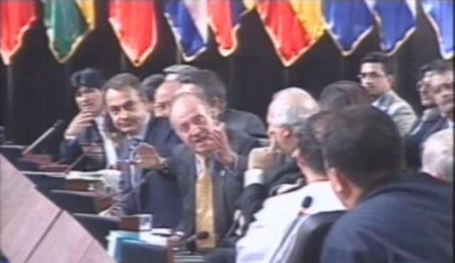 El rey y Zapatero durante la XVII Cumbre Iberoamericana de Jefes de Estados