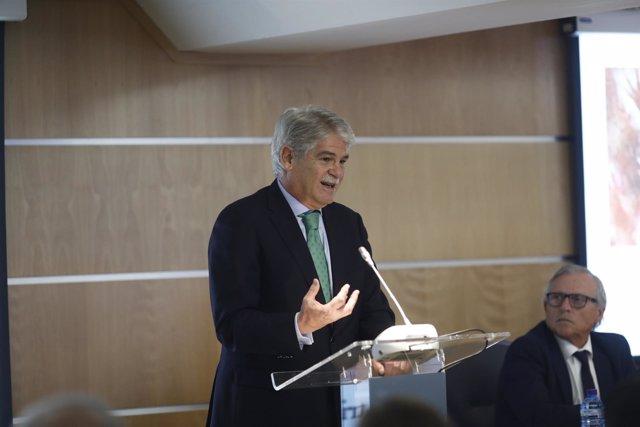 Alfonso Dastis clausura la jornada De la tribu a la ciudadanía... ¿europea?