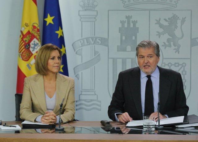 Rueda de prensa de Cospedal e Iñigo Méndez de Vigo tras el Consejo de Ministros