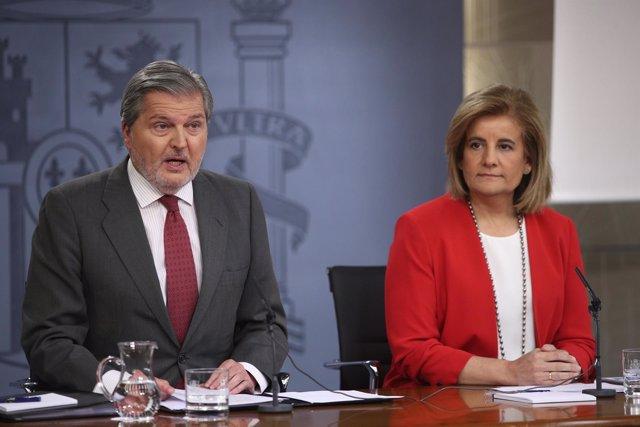 Iñigo Méndez de Vigo y Fátima Báñez en rueda de prensa tras el Consejo