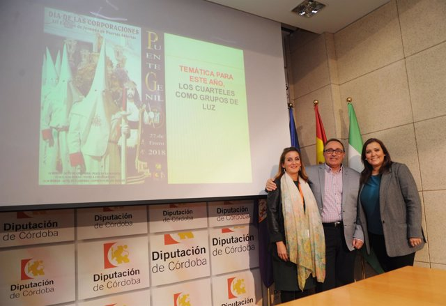 Carrillo (dcha.) en la presentación de una de las actividades