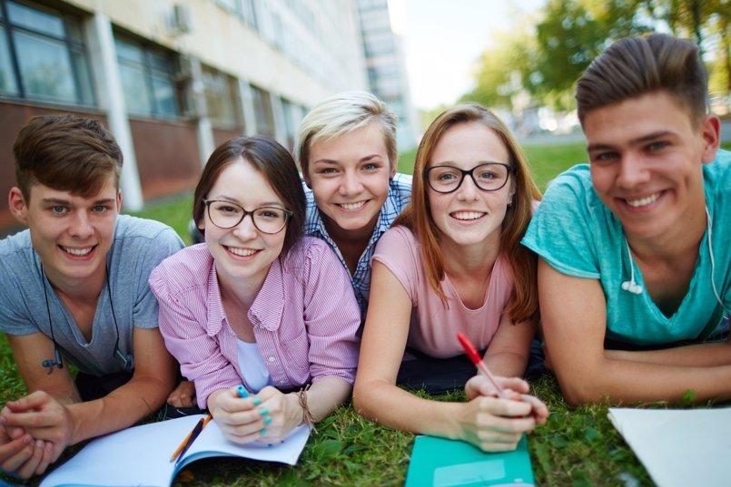 Más de la mitad de los jóvenes confiesan no sentir interés por la política