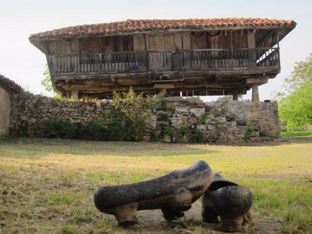 Panera, madreñas, Asturias, rural.