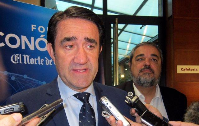 Suárez-Quiñones atiende a los medios en Salamanca