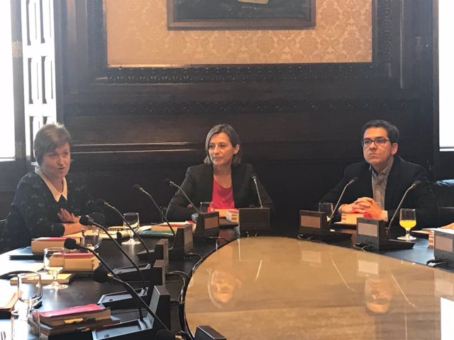 Anna Simó (ERC), Carme Forcadell y José María Espejo-Saavedra (Cs)