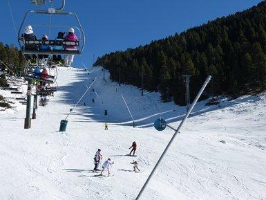 Masella registra gairebé 5.000 esquiadors en el primer cap de setmana d'esquí de la temporada (MASELLA)
