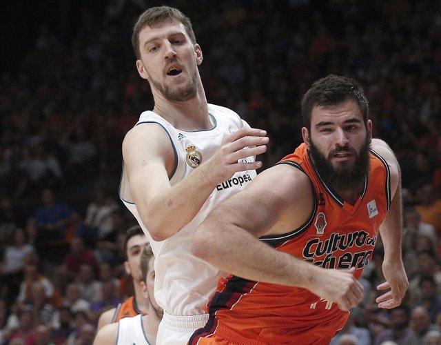 Dubljevic y Kuzmic en el Valencia Basket - Real Madrid